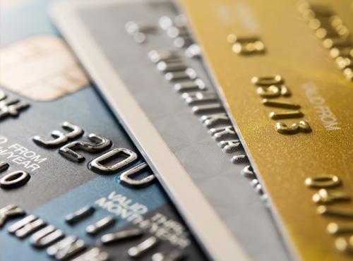 Bezahlen-mit-der-Kredidtkarte